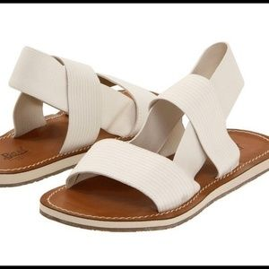 Bass Sandals with beige stretchy bands, size 8